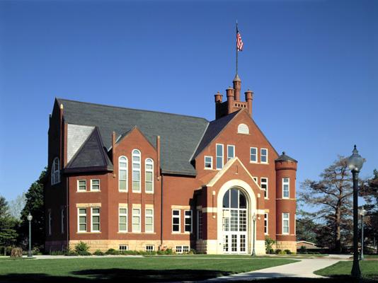 Graceland-University