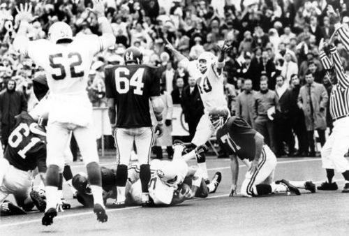 8-Texas-Longhorns-vs-Arkansas-Razorbacks–1969-Game-of-the-Century