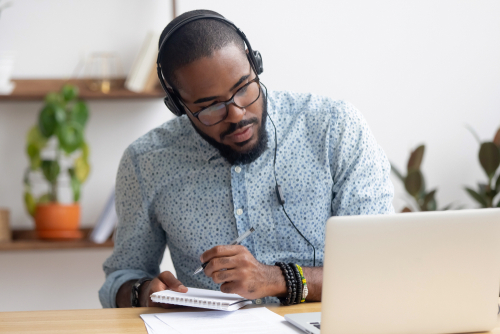 Benefits of Earning a Bachelor's Degree Online