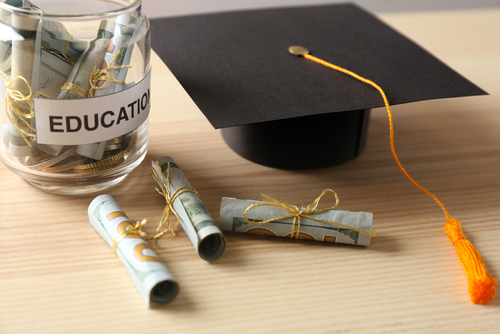 Are Scholarships or Grants Offered to Students Who Enroll in an Online College