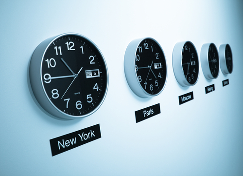 How do Time Zones Affect Online College Cohorts