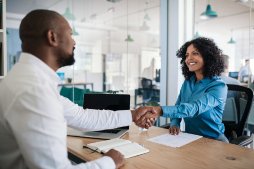how to become an organizational manager